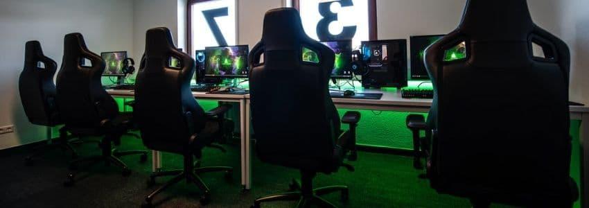 Række af gamer stol
