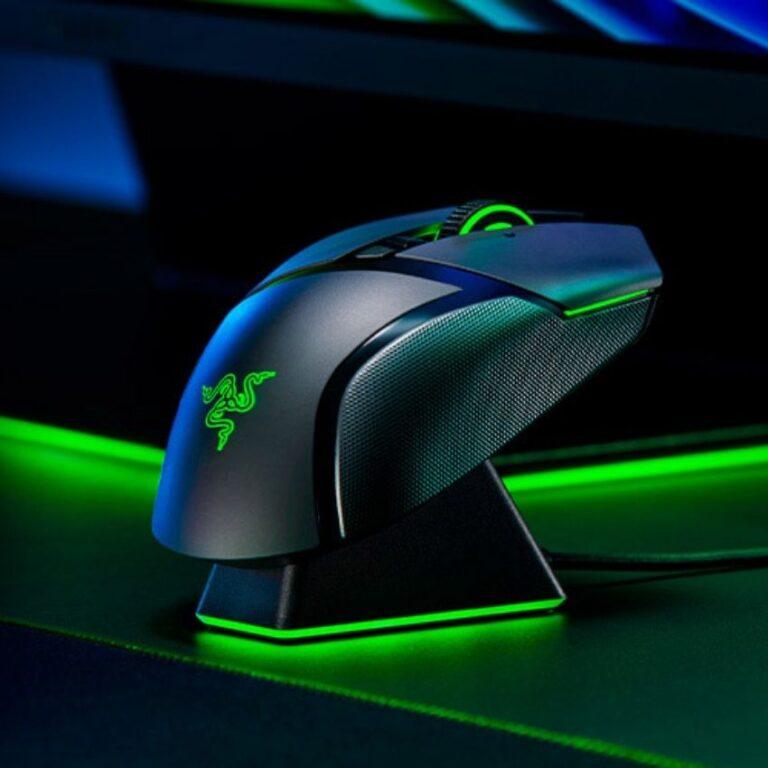 Sort Razer mus med grøn LED lys